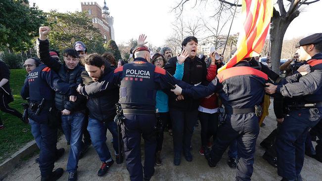 Catalogne. Nouveau sujet politique et social, les CDR ne s'en laissent pas compter!
