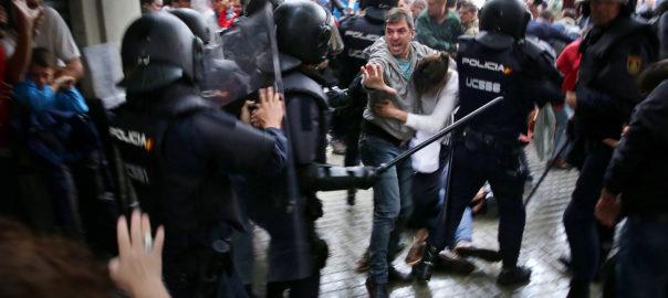 La Commission européenne se lave les mains et ne demandera pas à l'Espagne d'enquêter sur les violences policières du 1eroctobre