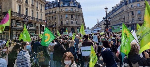 ICV (Initiative pour la Catalogne les Verts) et Equo (Verdes Equo) ont exercé des pressions à l'encontre de la motion des Verts français, motion qui reconnaît le droit à l'indépendance de laCatalogne